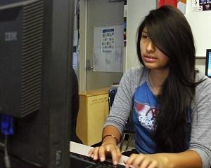 computer-coding_hs_girl-300x240